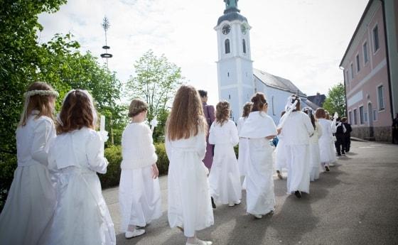 Erstkommunion Rund Um Christi Himmelfahrt Diözese Linz